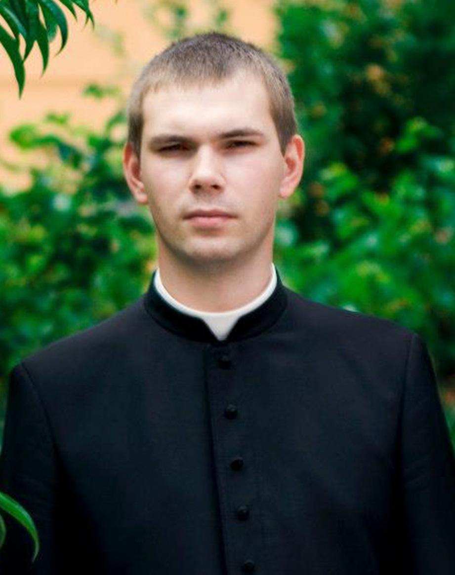 ks. Mariisz